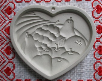 Heart of Plenty Cookie  Art Mold Ceramic Christmas Paper Casting, Crafts, Beeswax The Pampered Chef Dated 1995 USA Fruit
