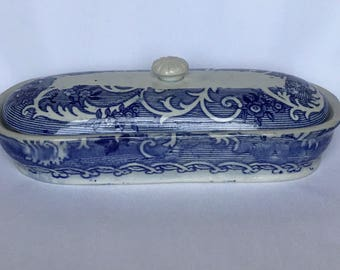 A Blue & White Dish with Lid
