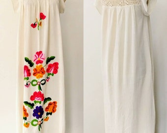 70s Embroidered Floral Maxi Dress / 1970s Vintage Mexican style Bohemian Crocheted Yoke Dress / Cream Cotton Dress
