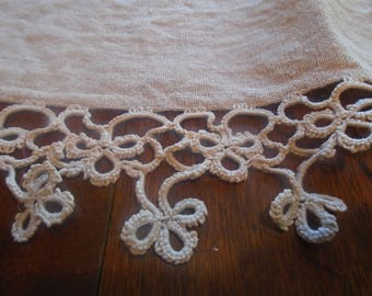 Vintage beige muslin dresser scarf with beautiful crochet lace along three edges /  vintage lace / vintage linens