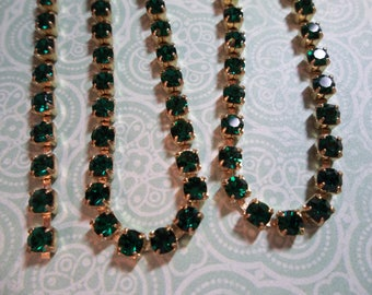3mm Emerald Green Rhinestone Chain - Brass Setting - Preciosa Czech Crystals