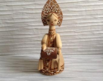 Vintage Beriozka Wood Figure.  Vintage Russian Folk Art. Mid century, Danish Modern, Eames, era.