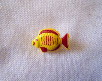 Fancy, child, yellow, fish (Bo 2391) button