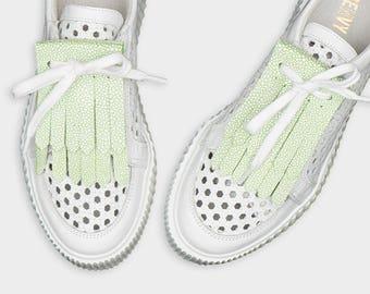 Leather shoe kilties FRINGE green STINGRAY