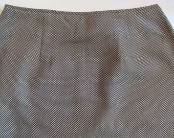 Woman  short  Skirt - tan with black  size M  or  9 - NWT-  vintage