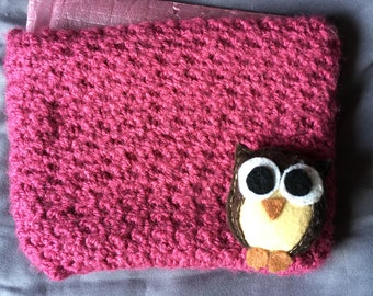 Owl-shaped felt brooch