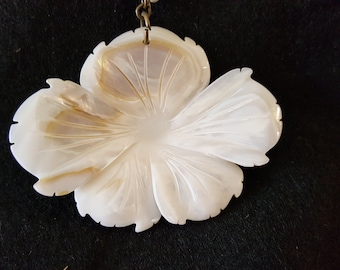 Large Shell Flower Necklace