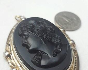 Rare vintage Cameo locket 1930s
