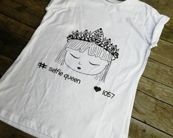 Selfie Queen T-shirt, T-shirt for women, Short-sleeve T-shirt