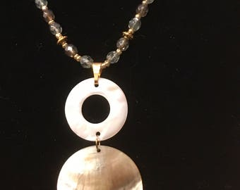 Mother of Pearl Circle - Necklace Earrings