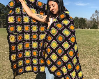 Vintage 1970's Retro Crocheted Granny Square Afghan Blanket Throw