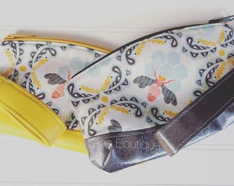 Glitter Vinyl Bee Clutch with Detachable Wristlet Strap, Spring Clutch, Handbag, Save the Bees