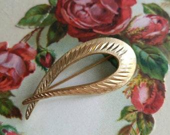 Vintage gold filled loop brooch pin