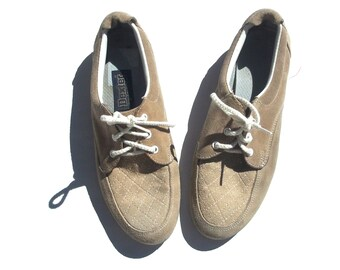 7 suede DEXTER beige and white lace up tennis shoes flats vintage 70s 1970s preppy soft american made kitsch affordable school