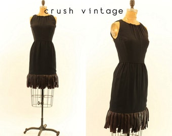 60s Wiggle Dress XS / 1960s Carwash Hem Dress / San Clemente Fringe Dress