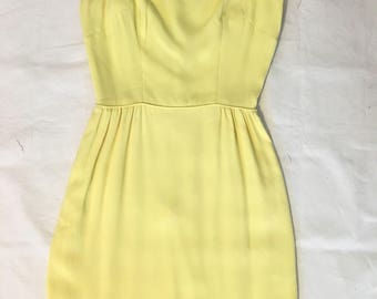 Vintage 1940s 1950s pale yellow crepe full length dress gown busty size 38 Bust 25 Waist