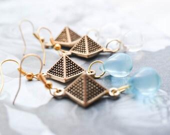 Earrings pyramids - Pearl drops