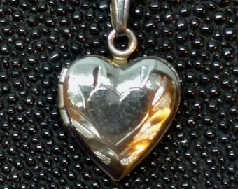HEART Locket Bracelet Charm, Vintage Sterling Silver, Engraved, Locket Holds 2 Photos! xlnt condition