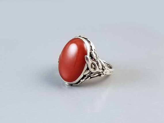 Antique early Art Deco 1920s sterling silver carnelian cabochon statement ring with Art Nouveau calla lily detail / size 6-1/2