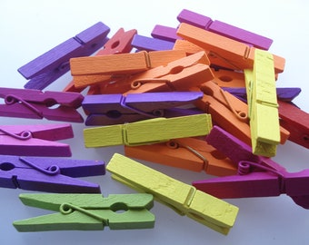 40 Craft Pegs, 45mm Dyed Wooden Craft Pegs, Mixed Colour Pegs, Pack of 40 Pegs, 5p Each!! PG07