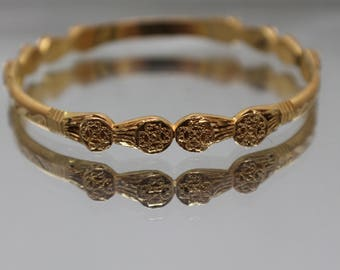 22k - Vintage Symmetrical Fixed Size Bangle Bracelet in Solid Yellow Gold
