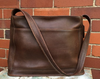Handsome Chocolate brown Vintage Coach shoulder bag, Coach tote bag, Vintage Coach,  brown leather purse, TwoSwansSwimming