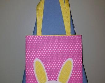 Rose et sac cabas jaune lapin de Pâques