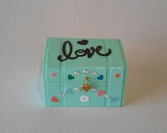 Love keepsake / trinket box
