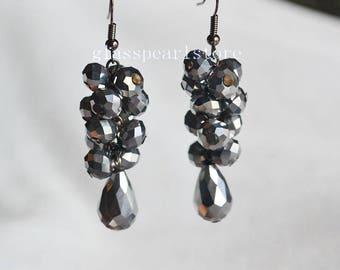 gray crystal earrings,Wedding earrings,grey Earrings,Dangle earrings,bridesmaid earrings,Maid of honor jewelry, statement earrings