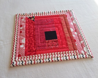 NEW Coffee Coaster or Mug Rug, in Black, Red, Cream, Quilted Patchwork Snack Mat