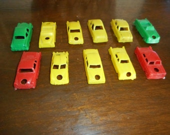 Jalopy Pile !  Lot of old plastic toy cars