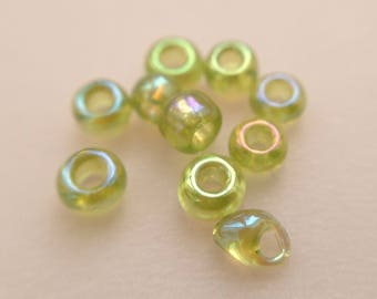 5.9 / seed beads 2mm transparent Green Pearl glass iridescent