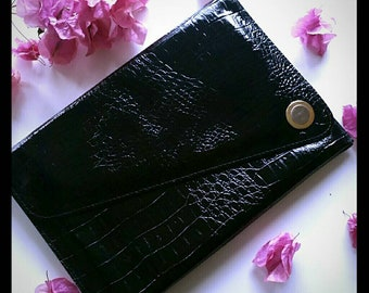 Vintage 80s crocodile print black clutch