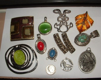 sale---supplies- coolest 80s pendant lot-12 total all nice make necklaces - authentis 1980s pewter wolf