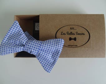 Blue and white cotton fabric Hubert knotted bow
