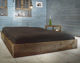 Purist bed made of recycled timber | CÉRESTE