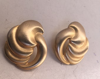 """Vintage Glam style pierced matte gold  tone earrings small round wavy by Don-Lin 1.5"""""""