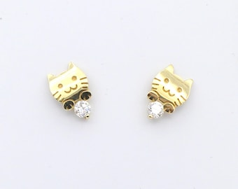 Cute Little 14k yellow/white gold kitty cat face with cz pair of earrings