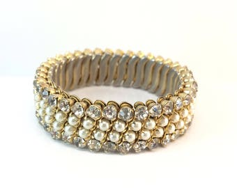 Vintage Expandable Rhinestone & Pearl Bracelet Spring Wedding Jewelry Bridal Bracelet Antique Estate Jewelry Gift for Her Anniversary