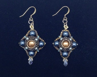 Tudor Style Earrings Pattern