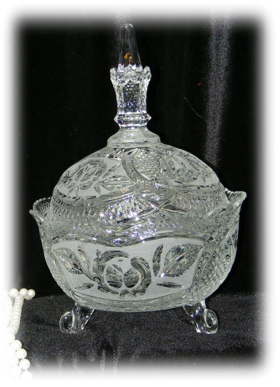 Exquisite CRYSTAL CANDY DISH