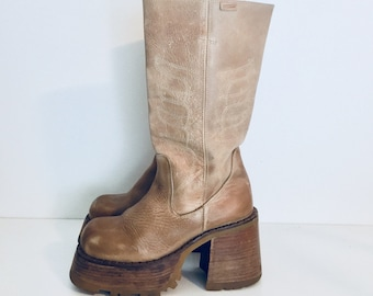 90s Platform Boots Leather Boots Round Toe made in Spain by Destroy Size 7.5 1/2 37 38