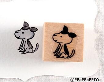 40% OFF SALE sitting dog Rubber Stamp (20mm)