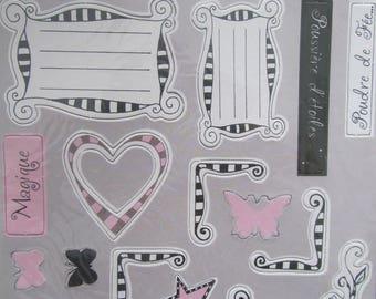 2 planches de formes décoratives en  carton épais - 30 pièces à peindre ou customiser