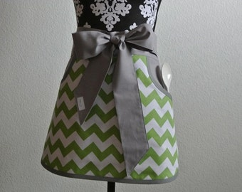 Green Chevron Adult Half Apron with Pockets