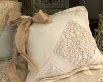Handmade vintage Italian linen lavender sachet