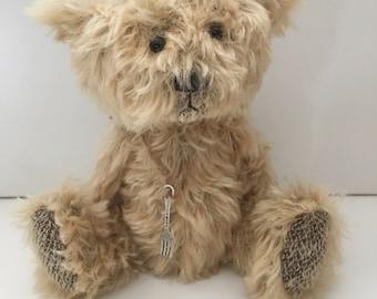 Caesar - artist bear Scruffy by bear artist Jenny Lee and jennylovesbenny mohair bears