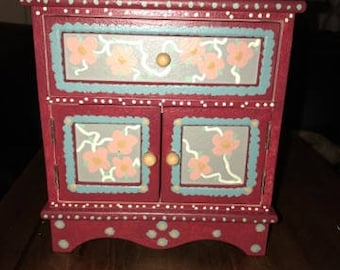 Beautiful Hand Painted Jewelry Box