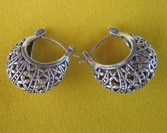 alluring Balinese Sterling Silver Hoop Earrings / silver 925 / Bali handmade jewelry / (#7m)