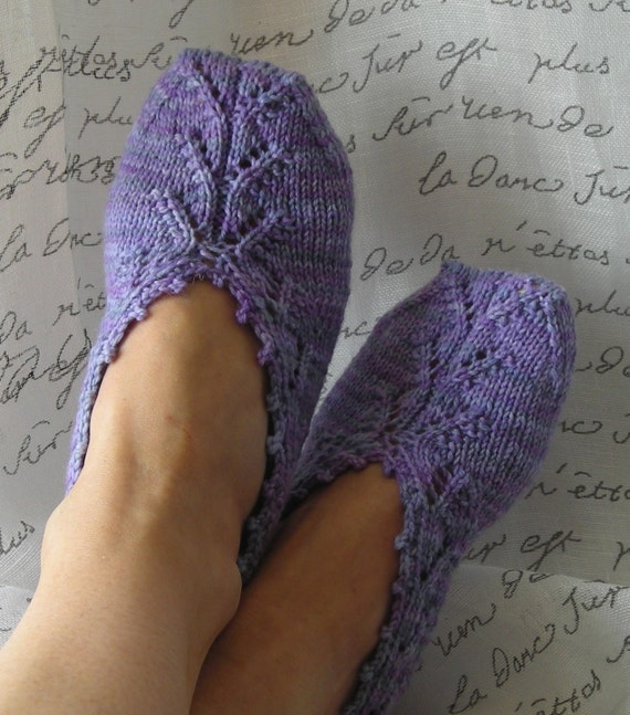 Knitting Women S Socks : Knitting pattern pdf slipper socks chausettes de lavande